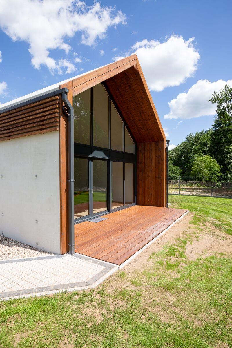 dom prefabrykowany z betonu spine